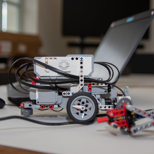 Ένας χρόνος καινοτομίας & τεχνολογίας στο V.Lab στα 950 μέτρα υψόμετρο!