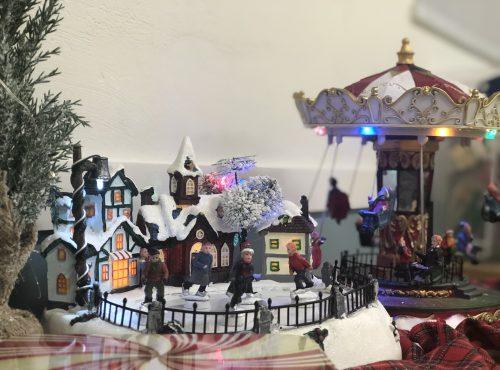 Παίζω με τα έθιμα των Χριστουγέννων απ' όλο τον κόσμο!
