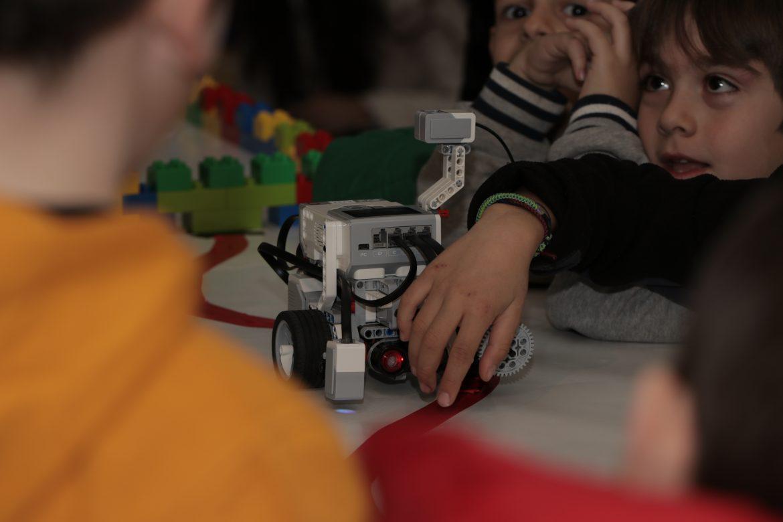 Ρομποτική για παιδιά στο V.Lab